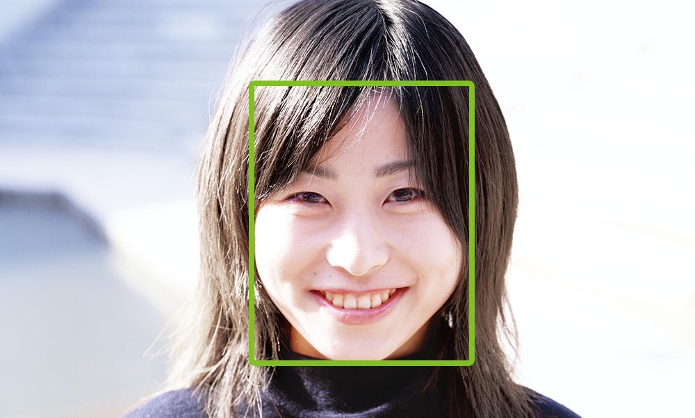 顔認証(Face Tracker)